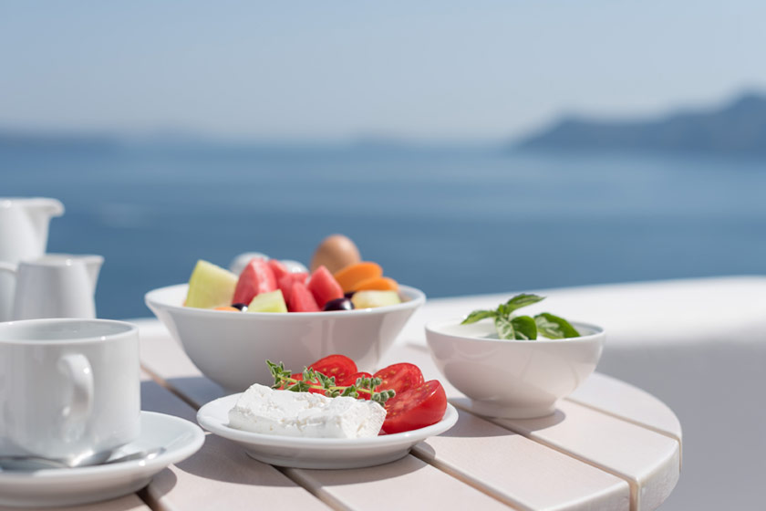 Thirea Suites in Oia Santorini – Breakfast with sea view