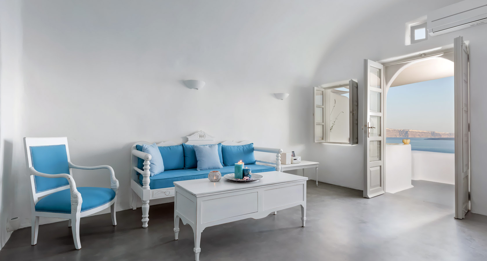 The sitting area of the Thirea superior suite in Santorini