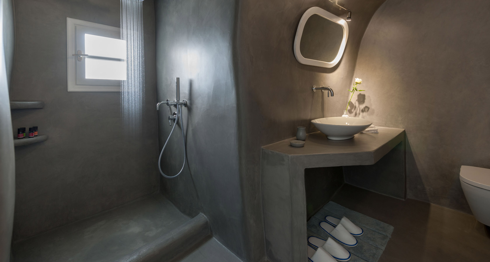The bathroom of the Thirea superior suite in Santorini