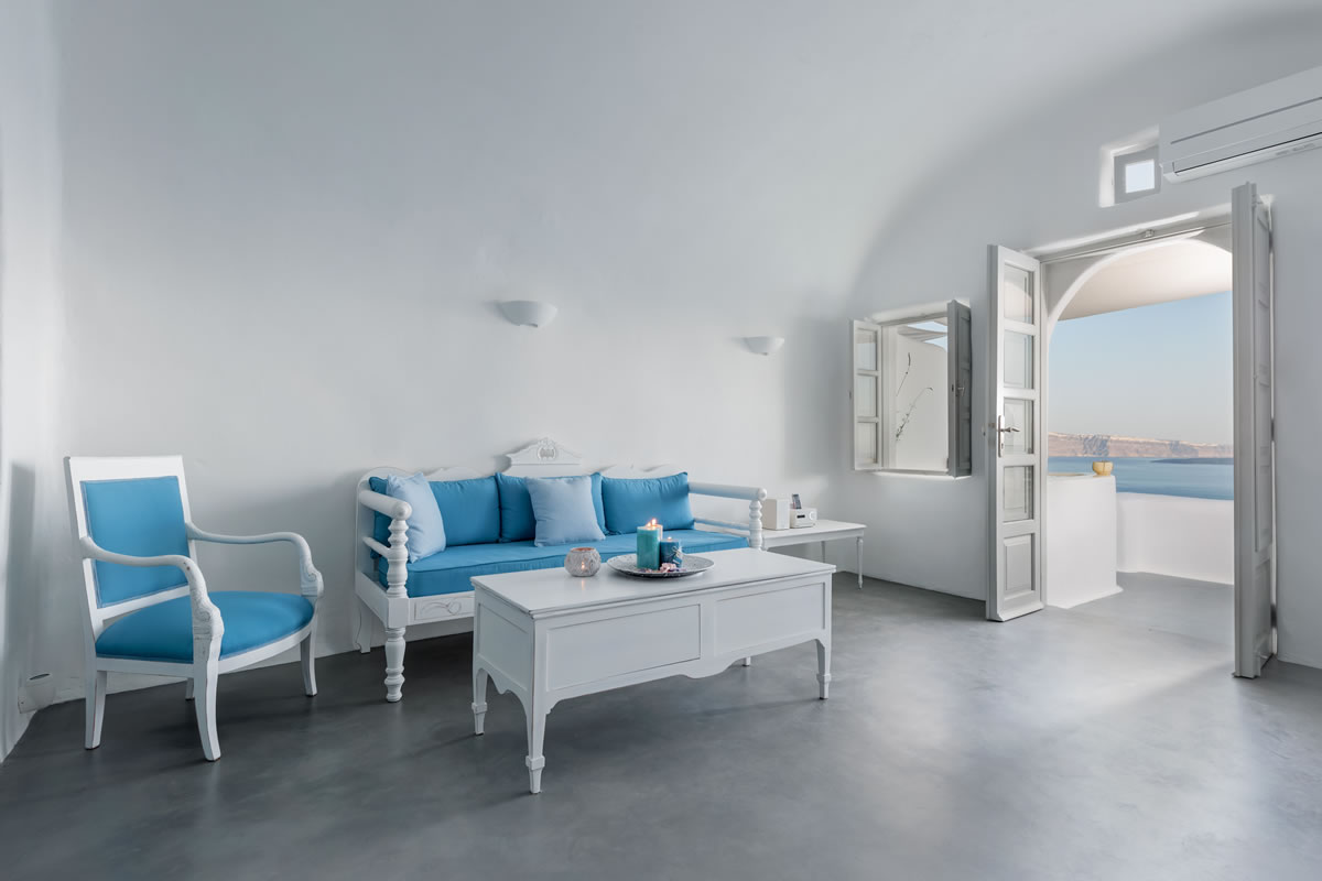 Sitting area of the Thirea superior suite in Santorini