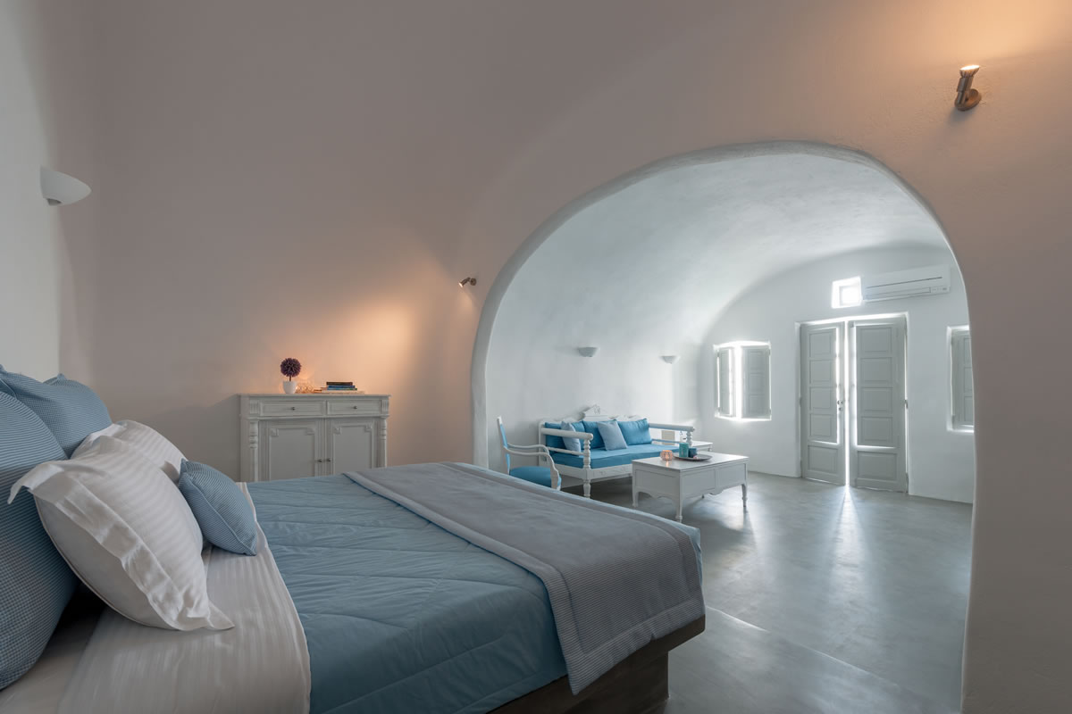 The bedroom of the Thirea superior suite in Santorini