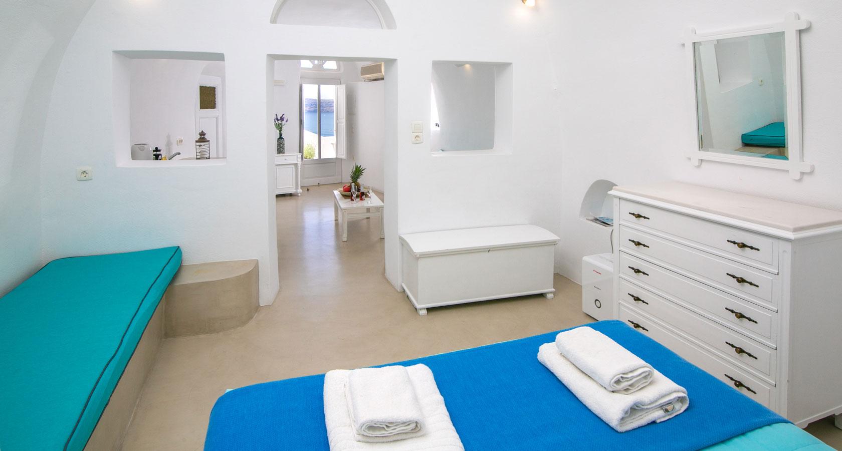 Santorini Apartments Thirea Oia Santorini Apartments