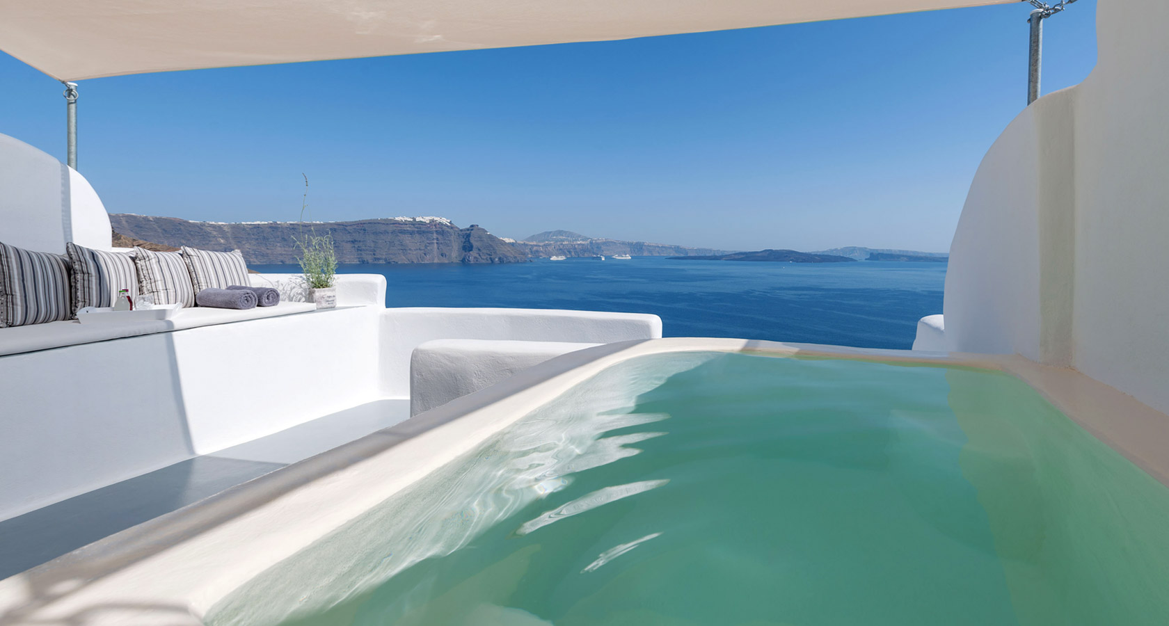 Thirea Suites Oia Santorini – Sea view from the balcony