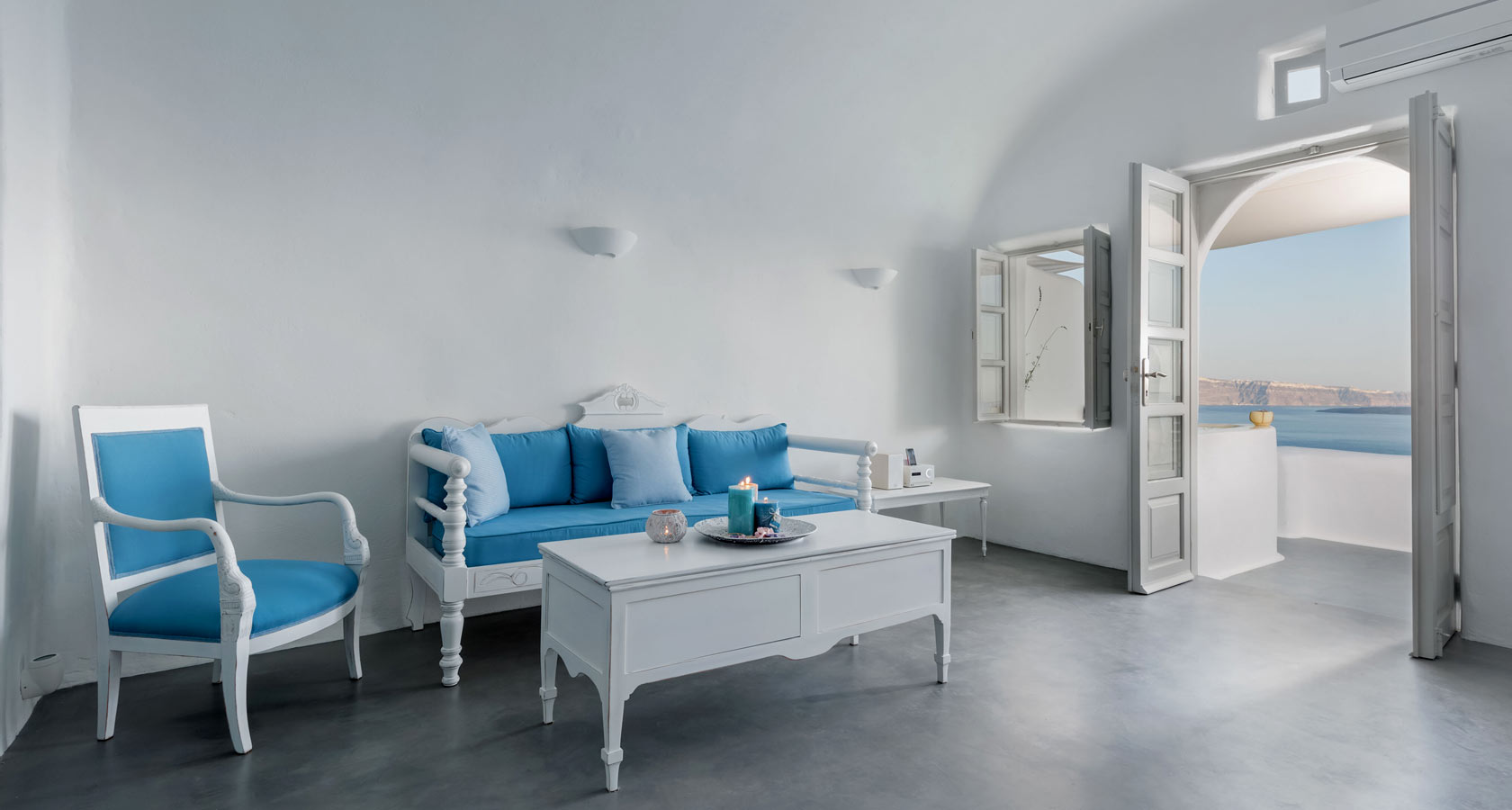Thirea Luxury Suites Hotel in Oia Santorini